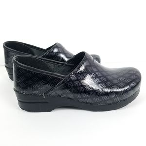 Dansko Professional Black Lattice Patent 10.5-11